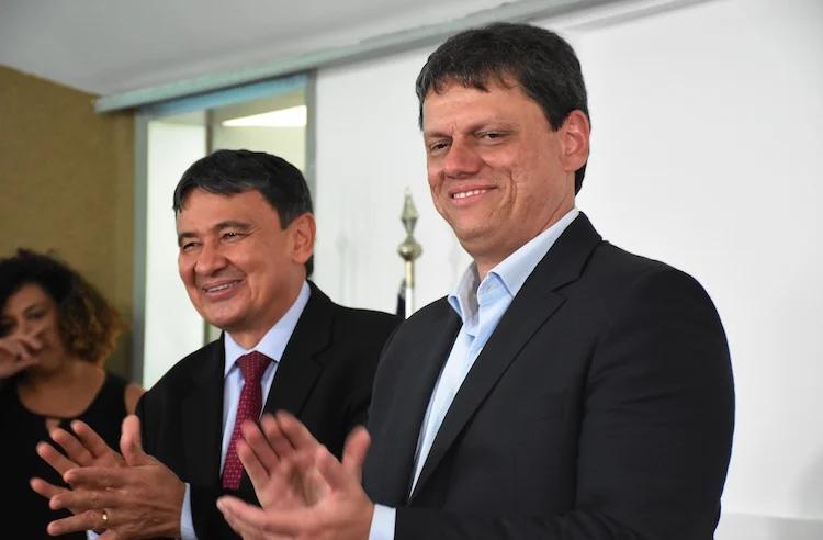 Ministro da Infraestrutura Tarcísio Freitas em uma de suas vindas ao Piauí , em 2019   FOTO: Efrém Ribeiro