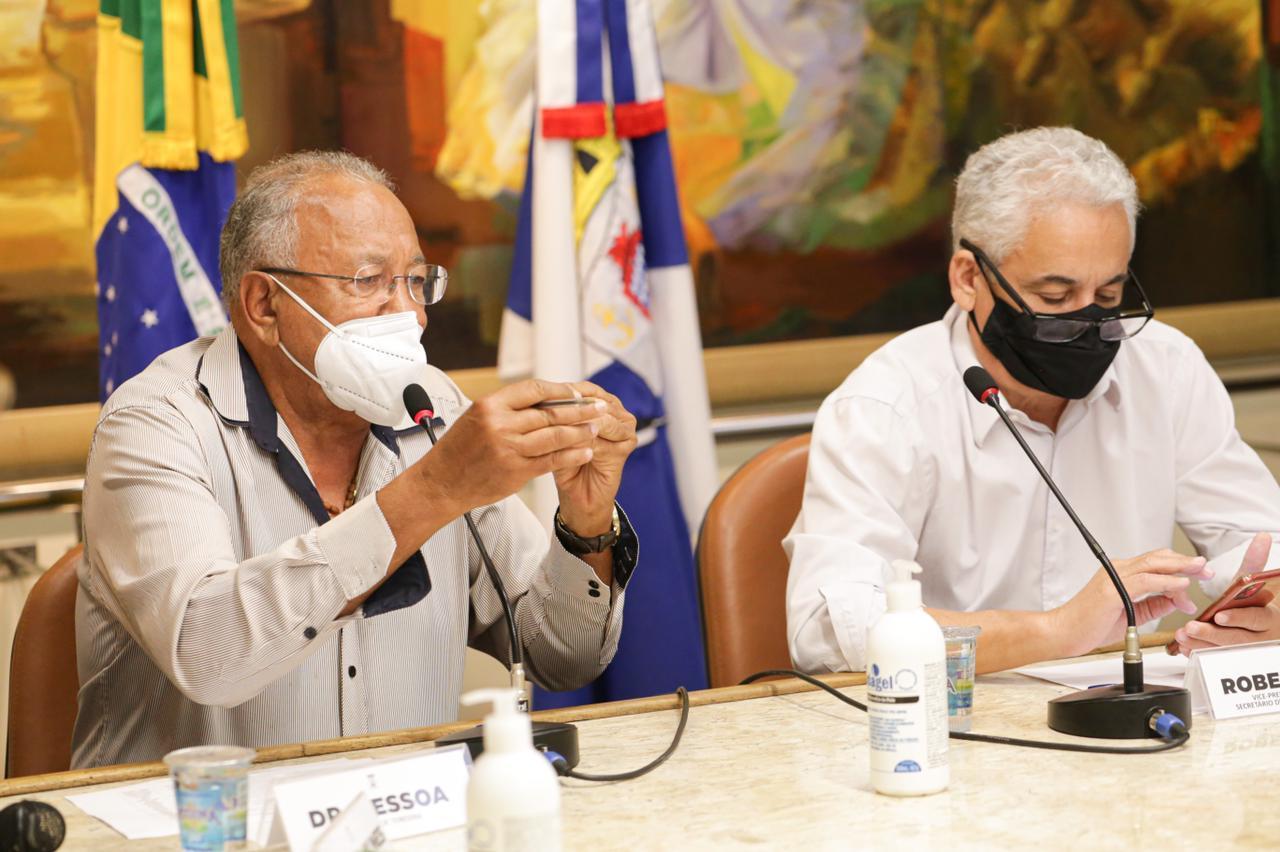 Dr. Pessoa assina decreto e segue decisões do governador Wellington Dias - Foto: Ccom