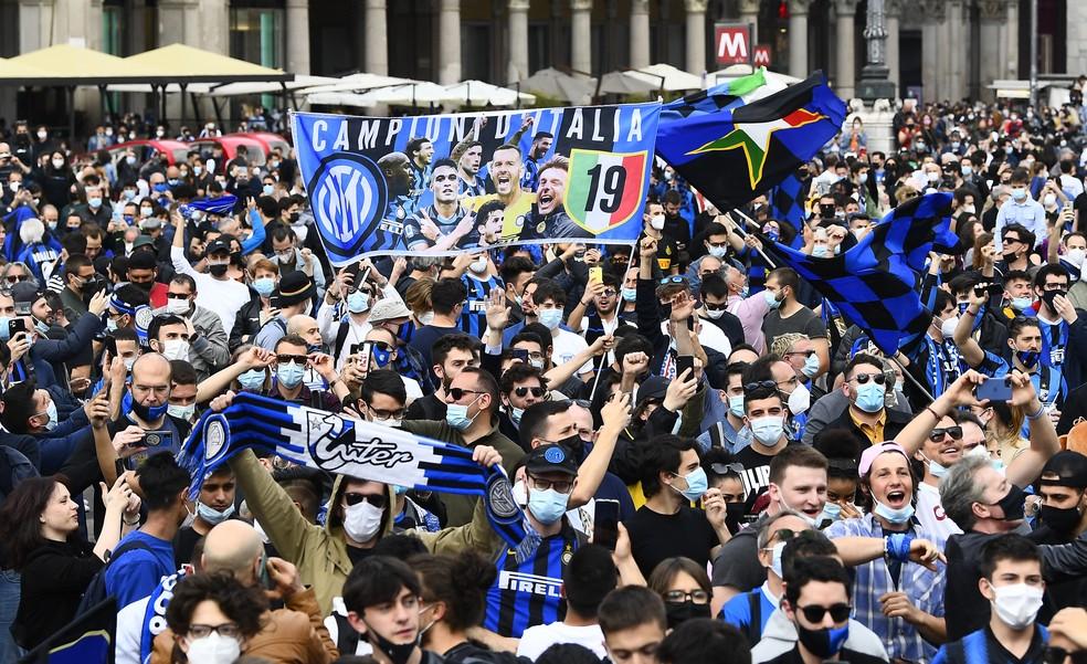 Multidão foi para as ruas comemorar o título - Foto: Reuters/Flavio Lo Scalzo
