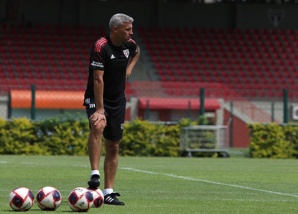 Técnico Hernan Crespo (Foto: divulgação)