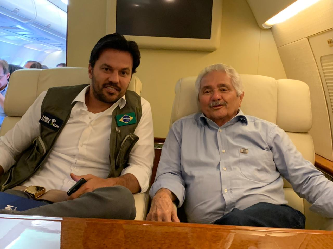Elmano Férrer feliz da vida com Bolsonaro e Tarcísio de Freitas  - Imagem 2