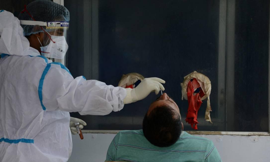 Confirmado o primeiro caso da variante indiana no Brasil - Foto: AFP