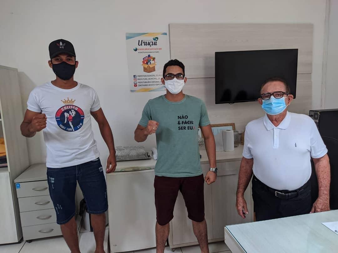 Prefeitura de Uruçuí apoia atletas de Muay Thai - Imagem 1