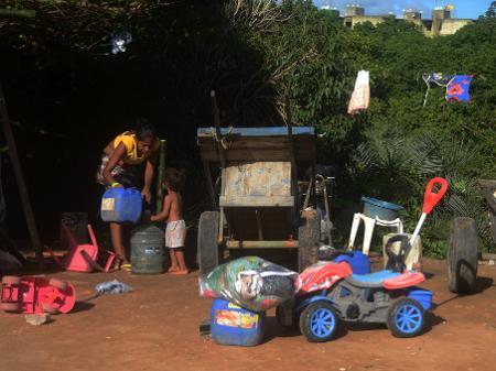 pobreza e fome nas comunidades brasileiras (Foto: reprodução)