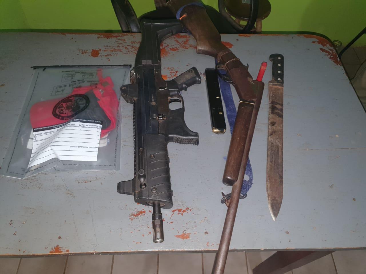 Armas foram apreendidias durante a ação (Foto: Divulgação)