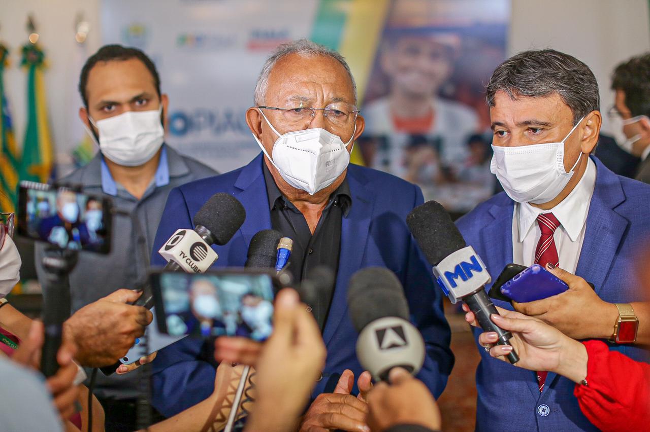 Dr. Pessoa e Wellington Dias em encontro no Palácio de Karnak - Foto: Jorge Bastos