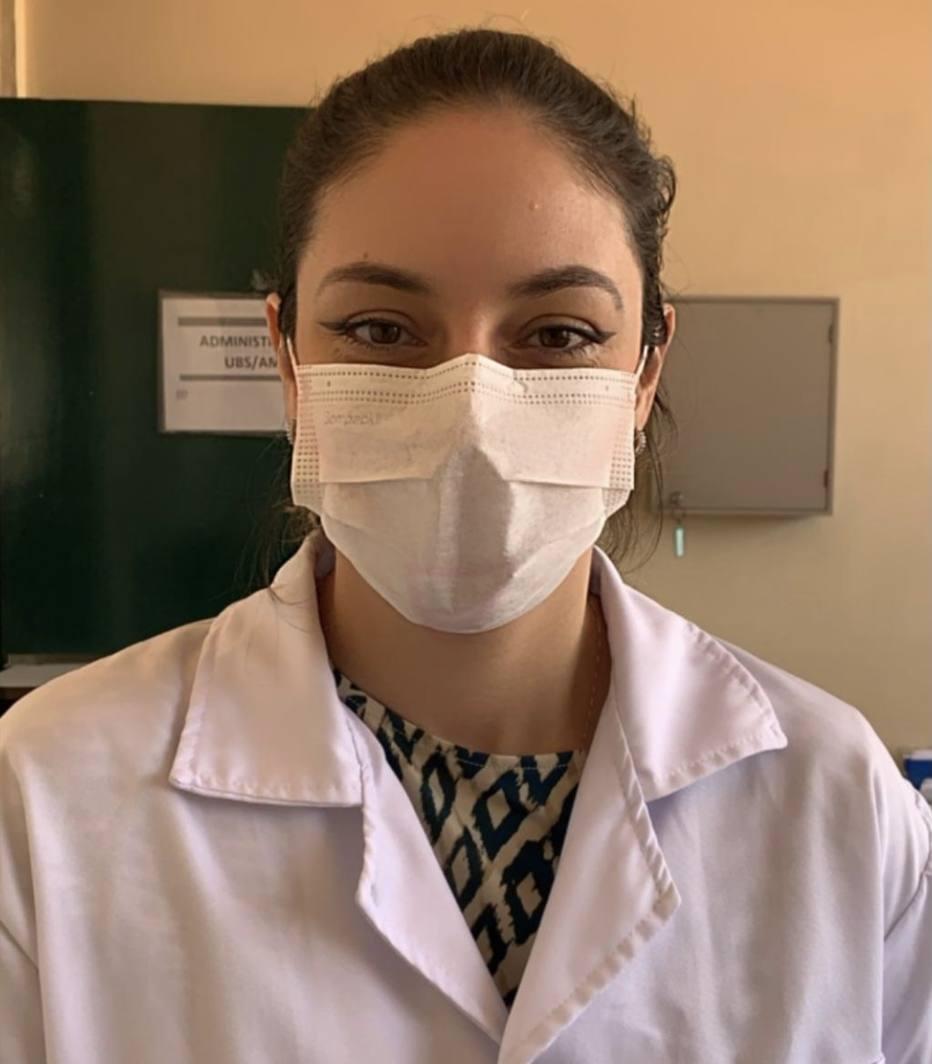 """""""Os profissionais estão cansados, muitos à base de remédio"""", conta a dentista Mariana Antunes, de 38 anos, que tenta se mudar para os Estados Unidos Foto: Arquivo pessoal"""