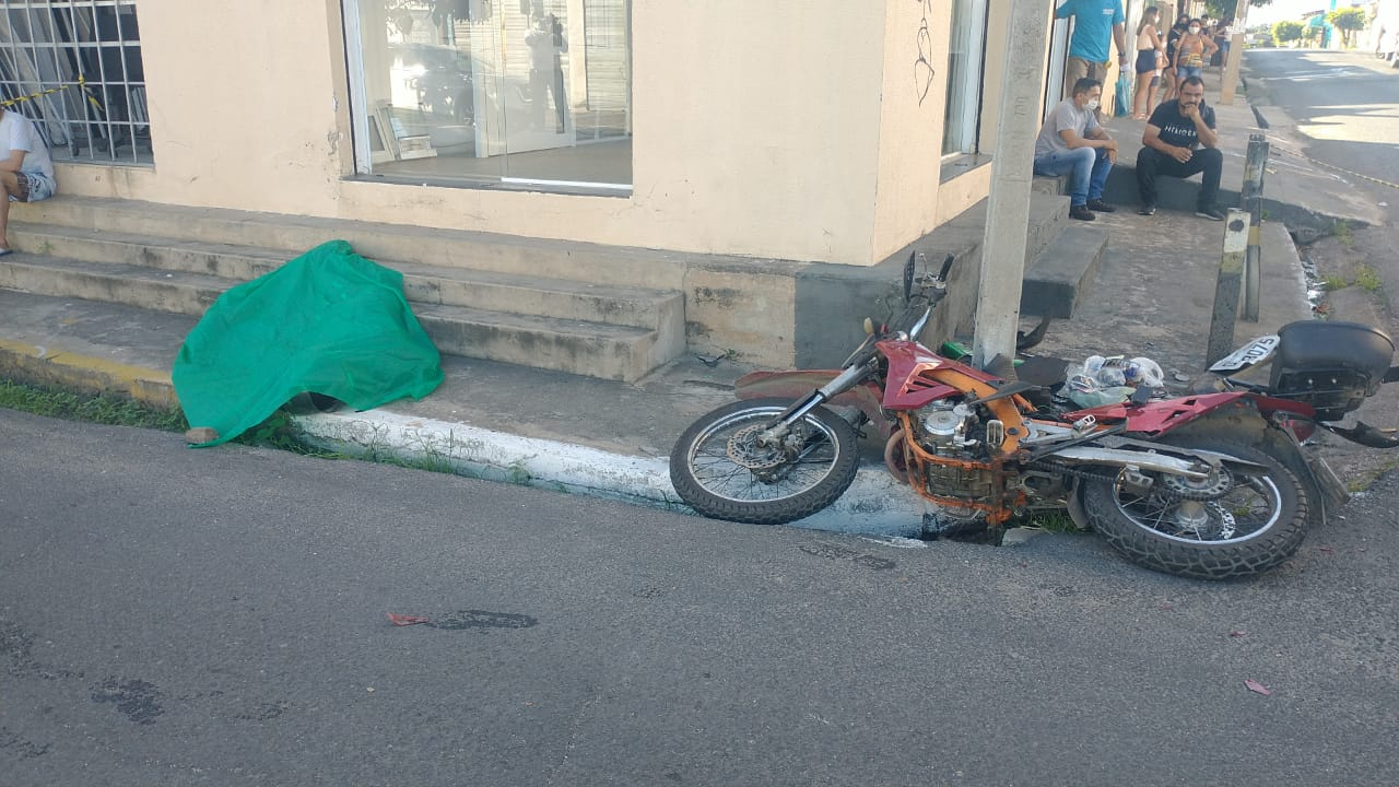 Mecânico morre em acidente no Centro de Teresina (Foto: Kilson Dione/ Portal Meio Norte)
