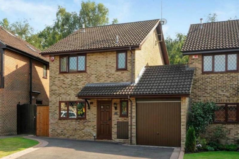 Fachada da casa que serviu de locação para o filme Harry Potter, em 2001. (Foto: Reprodução)