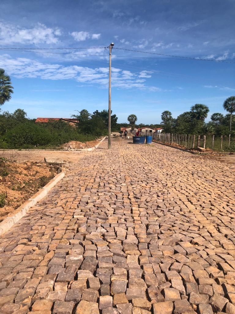 Prefeito Genival Bezerra, visita obras de pavimentação poliédrica - Imagem 8