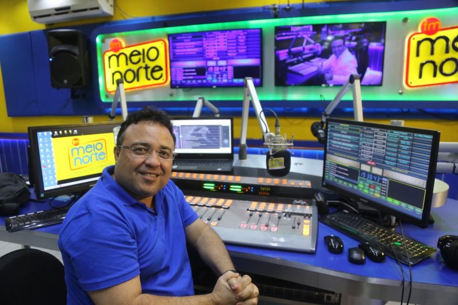 Rádio e Tv em sintonia na programação. No detalhe Rogério Ribeiro/Efrem Ribeiro