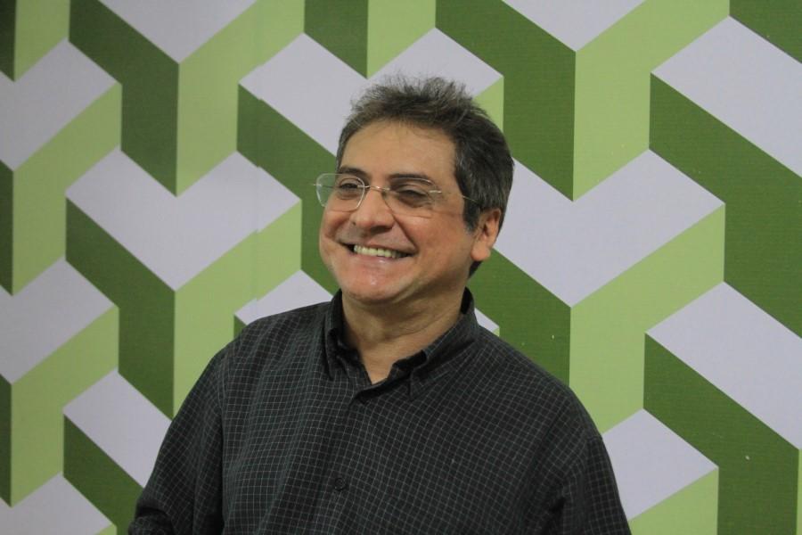Com programas como o feito pelo humorista João Cláudio, a Rede Meio Norte mantém um público cativo/Léo Vilari