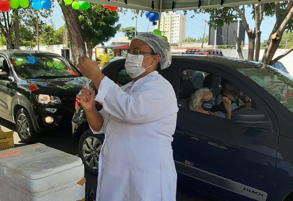 FMS vacina idosos e professores contra a gripe neste sábado (29)- Foto: FMS