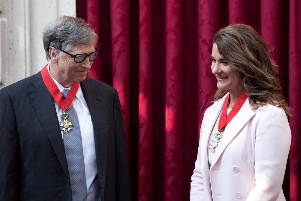 Bill Gates e Melinda Gates em Paris, na França, em 21 de abril de 2017. — Foto: REUTERS/Kamil Zihnioglu