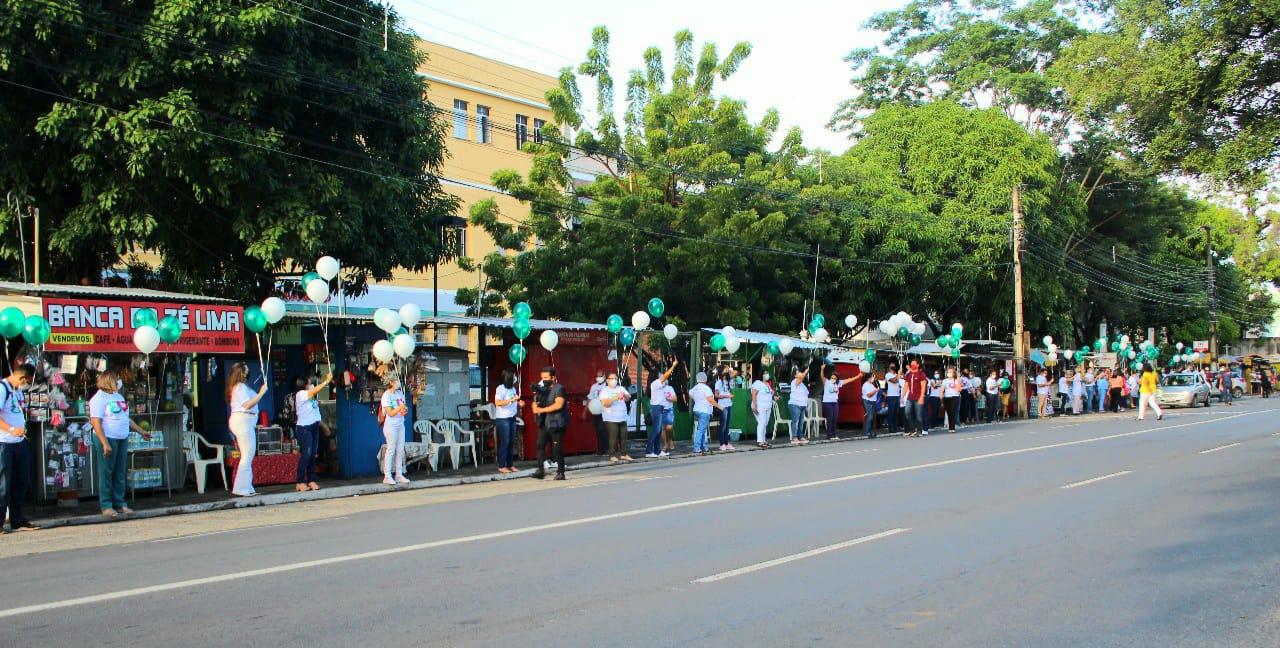 Funcionários do HGV comemoram os 80 anos do Hospital com um abraço simbólico