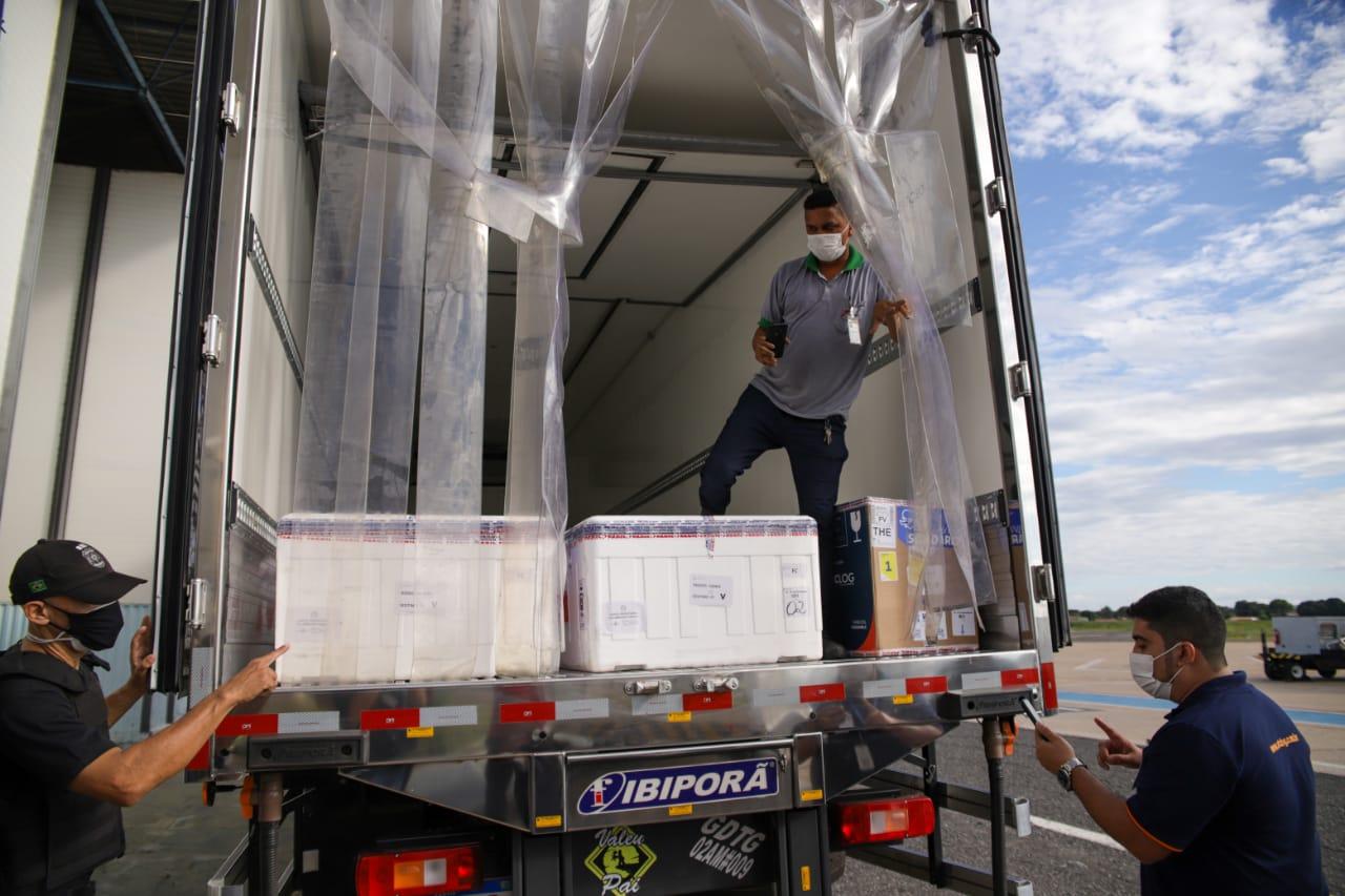 Piauí recebe lote com mais de 96 mil vacinas contra a Covid-19 (Foto: Sesapi)