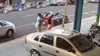 Mulher foi agredida a socos