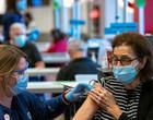 Com cerca de 50% da população vacinada, EUA flexibilizam isolamento