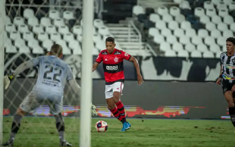 João deixa o Flamengo pelo Cuiabá- Foto: André Vidal/Flamengo