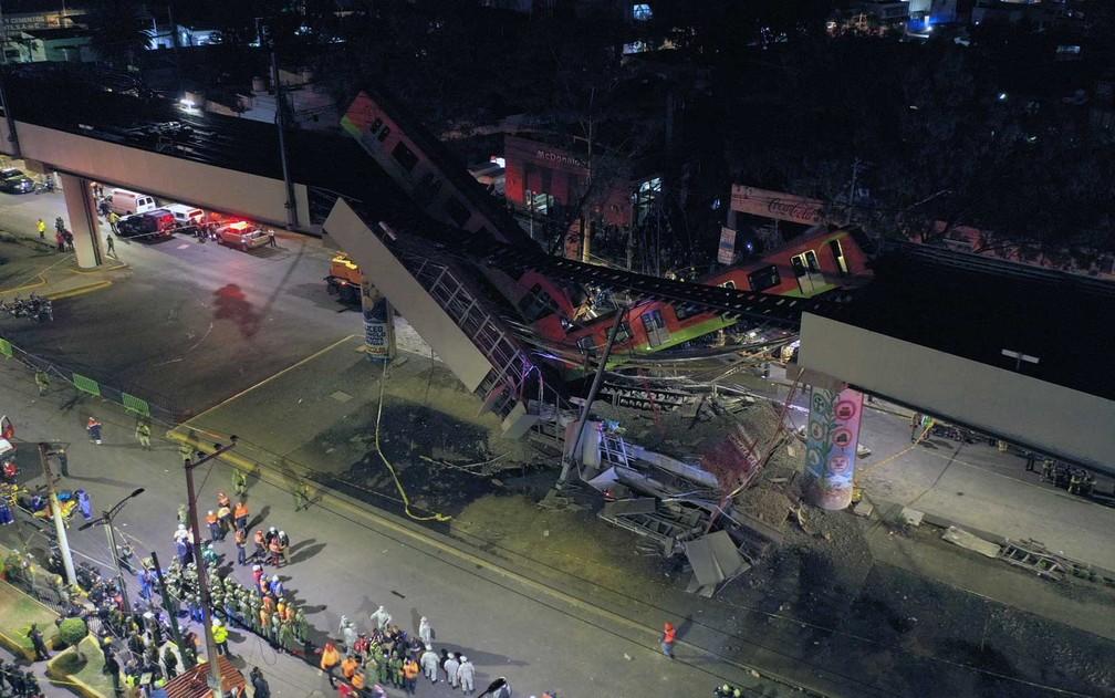 Imagem aérea mostra a região do acidente de trem na Cidade do México - Foto: AFP