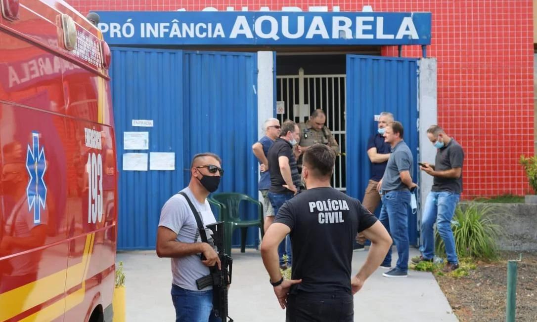 Jovem mata cinco pessoas durante atentado em escola em Santa Catarina (Foto: Gilmar Bortese/ O Globo)
