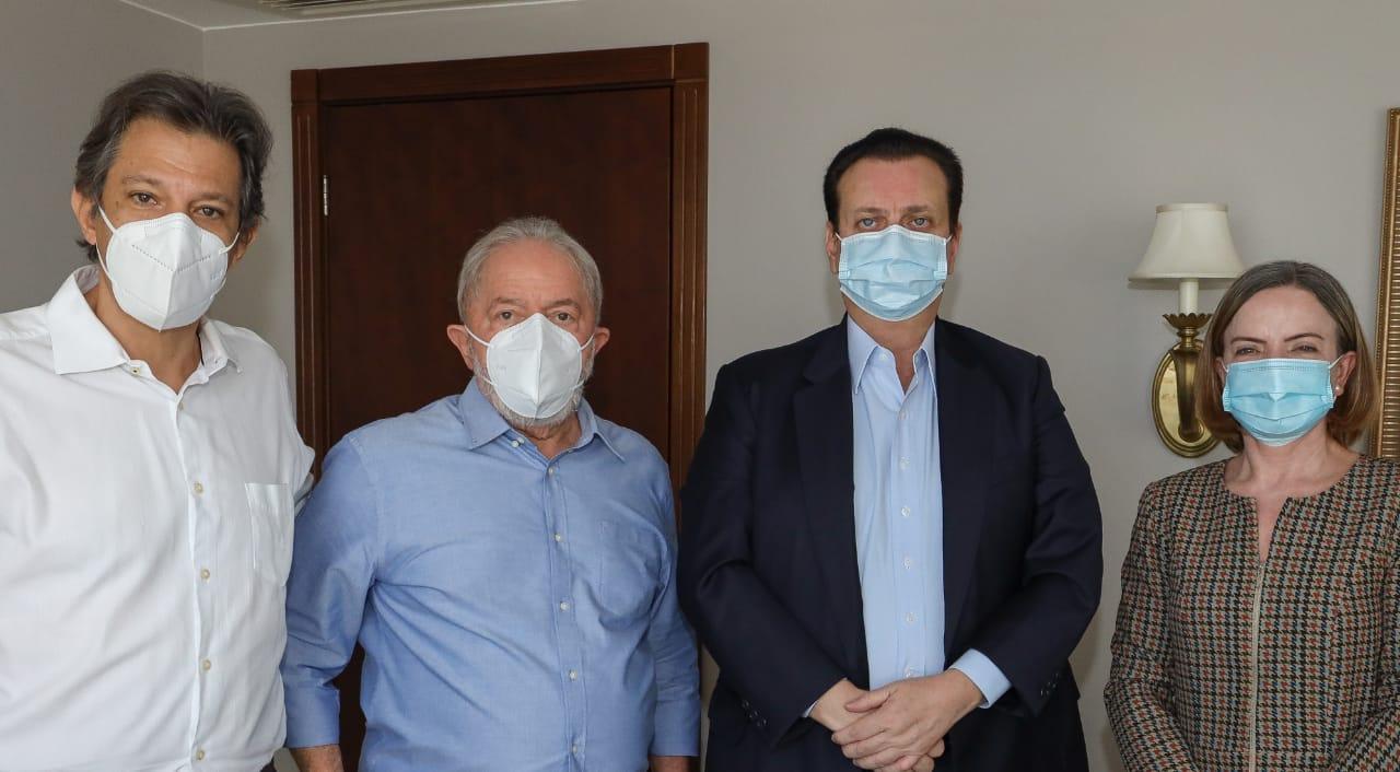 Lula tem encontro com José Sarney em Brasília - Imagem 1