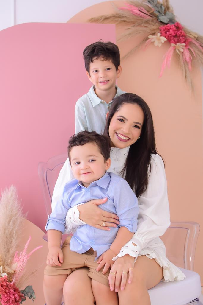 Mayla diz que cuidados redobraram na pandemia com os filhos/Arquivo pessoal