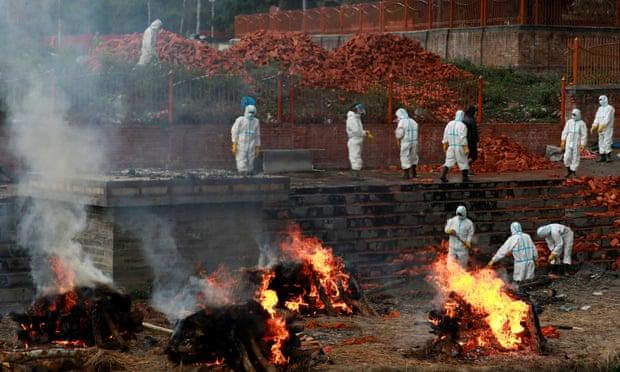 Crematório em Kathmandu, Nepal (Foto: Reuters)