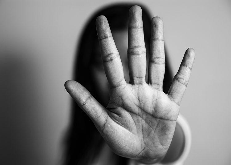 Mulheres adultas sofrem violência física (Foto: divulgação)