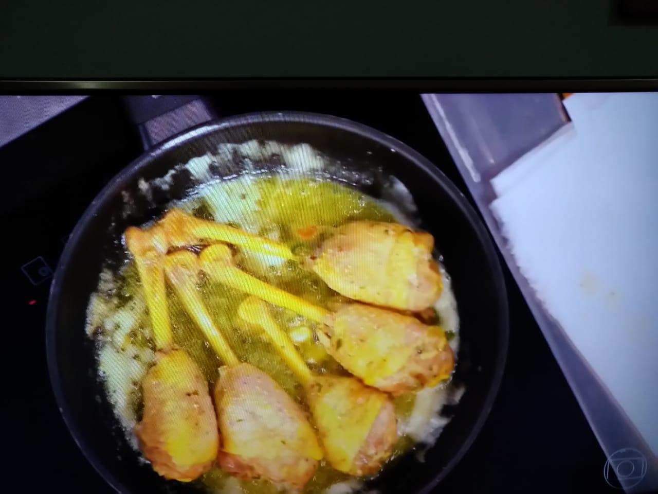 Preparo do prato apresentado pelo piauiense no reality de culinária. (Foto: Reprodução)