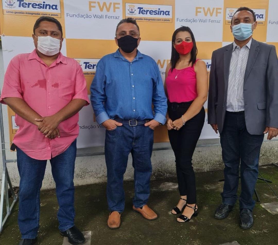Solenidade contou com as presenças dos vereadores Dudu e Euzuila Calisto e secretário de Educação, Nouga Cardoso | foto: Divulgação