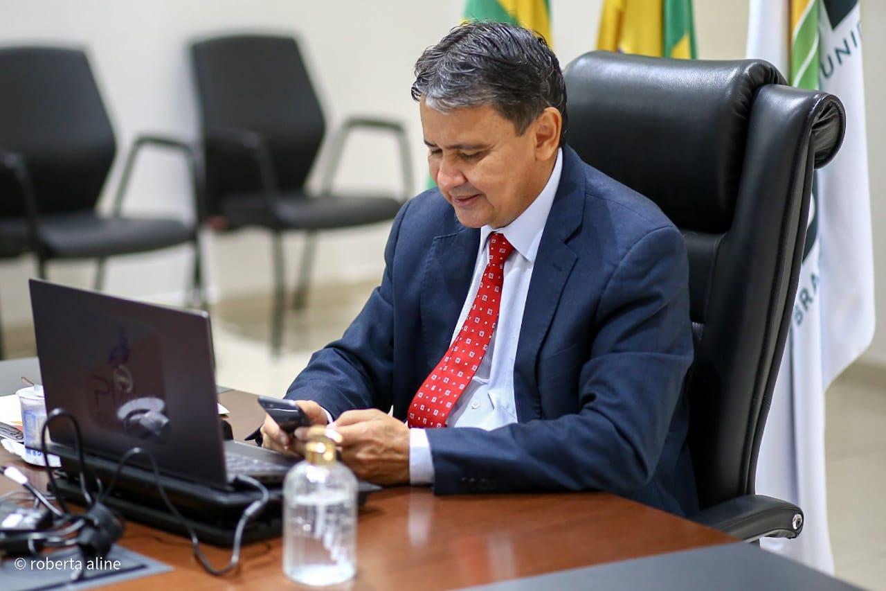 Wellington Dias busca comissão para agilizar vacina