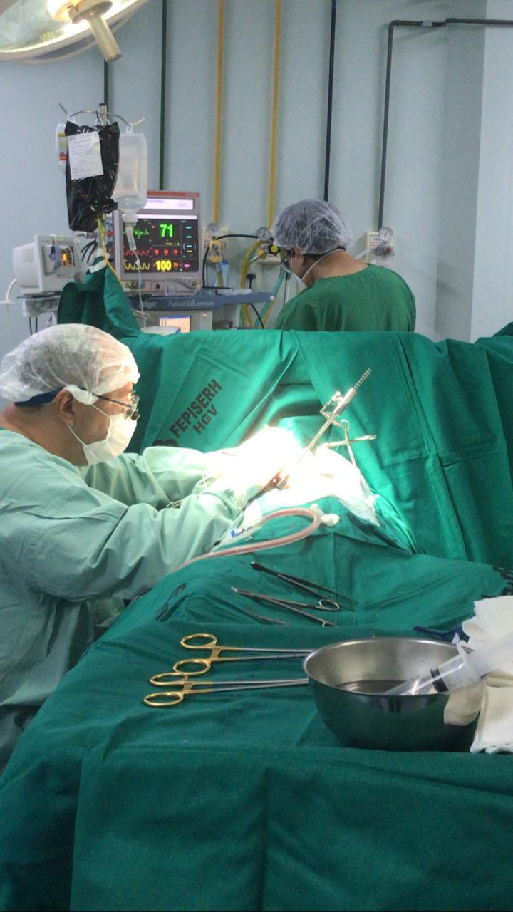 Cirurgia foi realizada neste sábado, no HGV