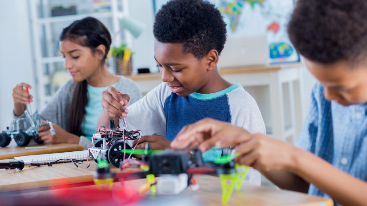 Programa irá beneficiar alunos das escolas em Robótica/reprodução internet