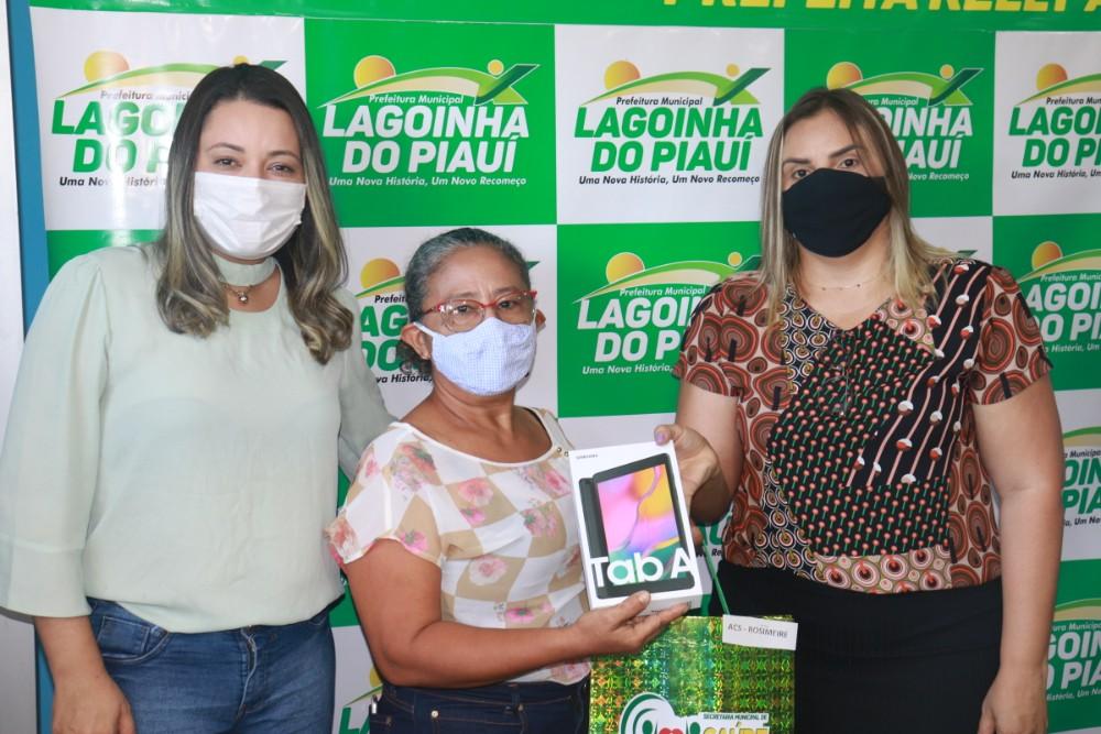 Prefeitura de Lagoinha entrega Tablets para ACS do Município - Imagem 4