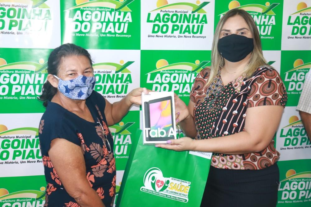 Prefeitura de Lagoinha entrega Tablets para ACS do Município - Imagem 7