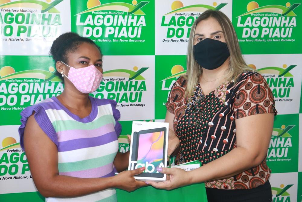 Prefeitura de Lagoinha entrega Tablets para ACS do Município - Imagem 5