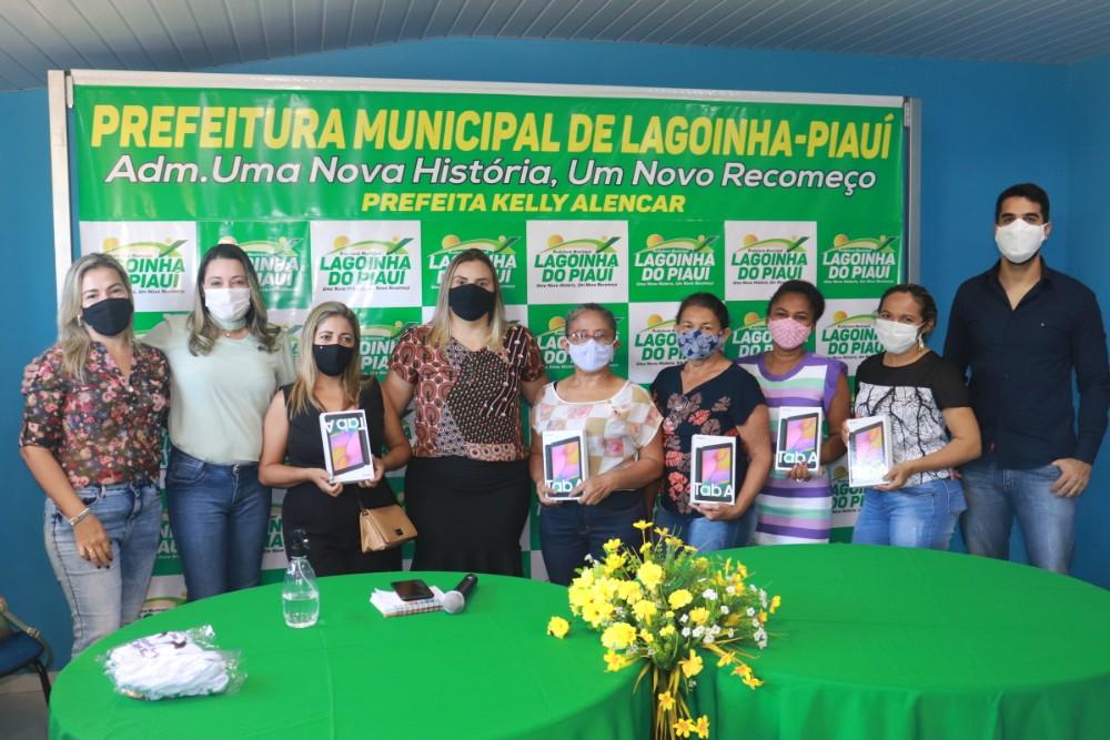 Prefeitura de Lagoinha entrega Tablets para ACS do Município - Imagem 2