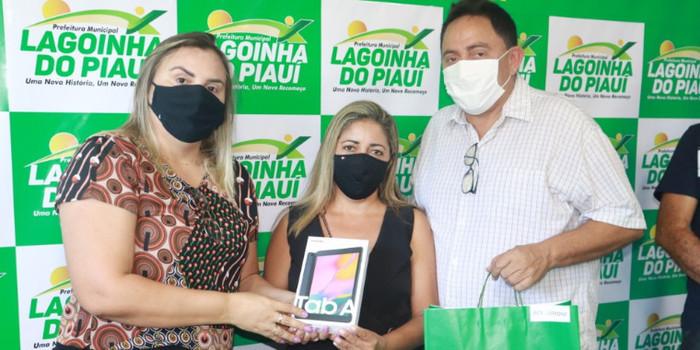 Prefeitura de Lagoinha entrega Tablets para ACS do Município