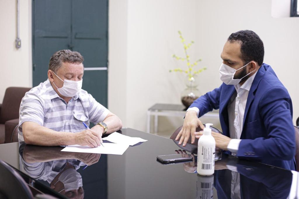 Gilberto Albuquerque, juntamente com o Conselho de Saúde, definiram os grupos prioritários para a vacinação em Teresina - Foto: Rômulo Piauilino/PMT)