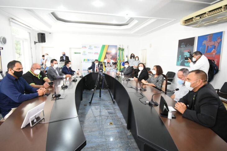 O governador Wellington Dias assinou, nesta quinta-feira (10), os Termos de Fomentos