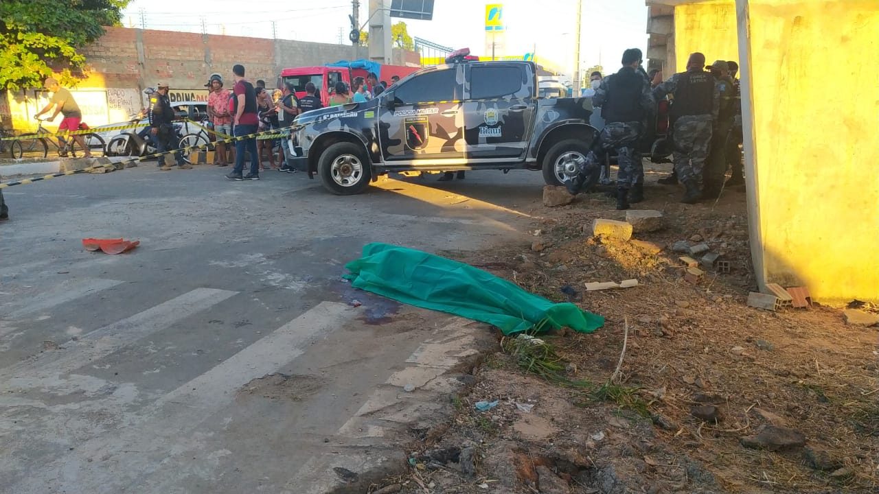 Homem morto a tiros na zona Sul de Teresina - Foto: Ivan Lima/Meio Norte