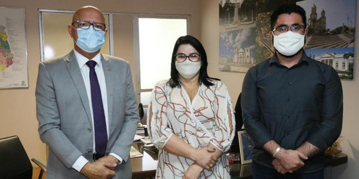 Prefeitura busca parcerias para implantação de núcleo de proteção à mulher