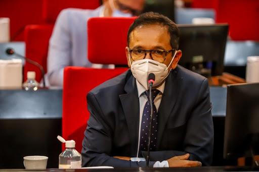 O requerimento do deputado Dr Hélio foi apresentado nesta semana na Alepi (Foto: Ascom Alepi)