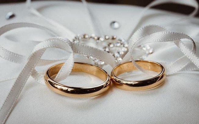 Muitas pessoas ainda sonham com casamento e fazem simpatias. (Foto: Cris Meinberg)
