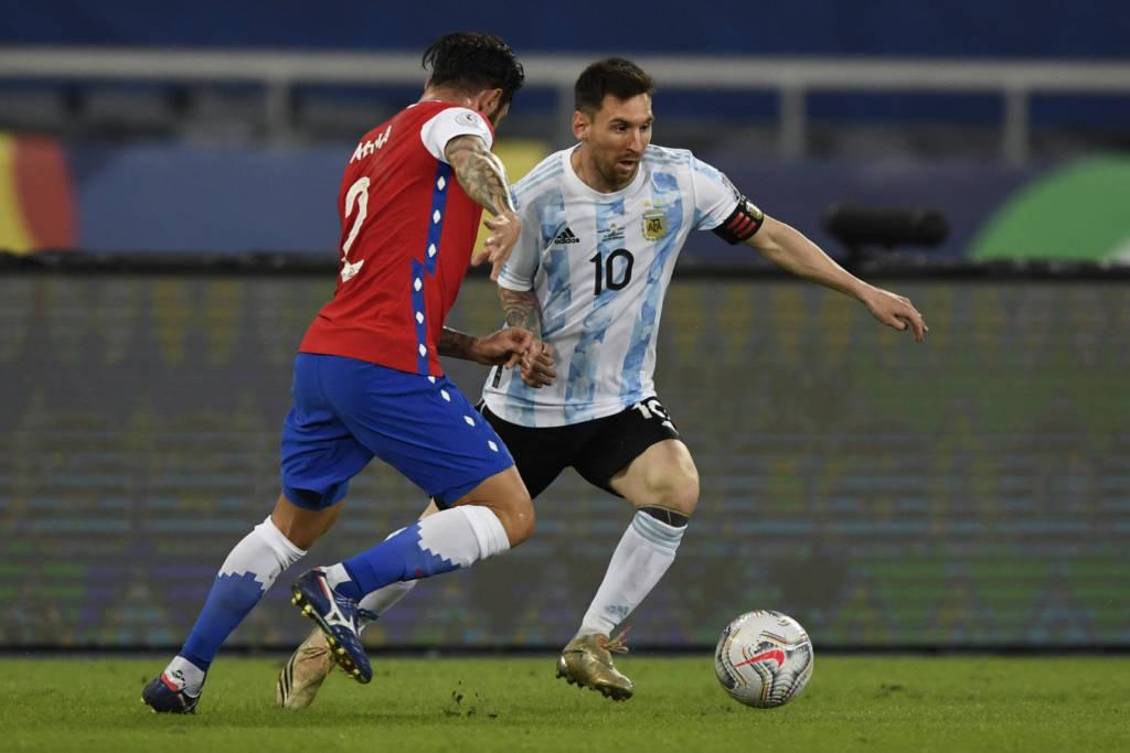 Argentina e Chile ficaram no empate em estreia na Copa América Foto: Mauro Pimentel-AFP