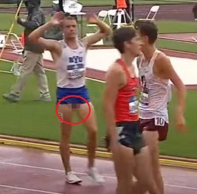 Sem querer, corredor exibe a genitália durante corrida nos EUA Foto: Reprodução