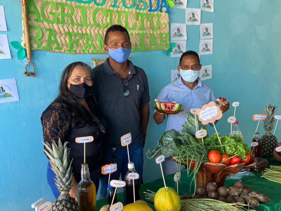 """Exposição da """"Mesa da Agricultura Familiar"""" em Manoel Emídio - Imagem 3"""