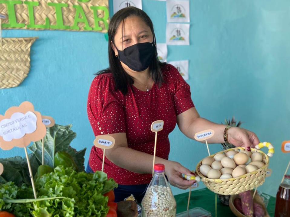 """Exposição da """"Mesa da Agricultura Familiar"""" em Manoel Emídio - Imagem 4"""