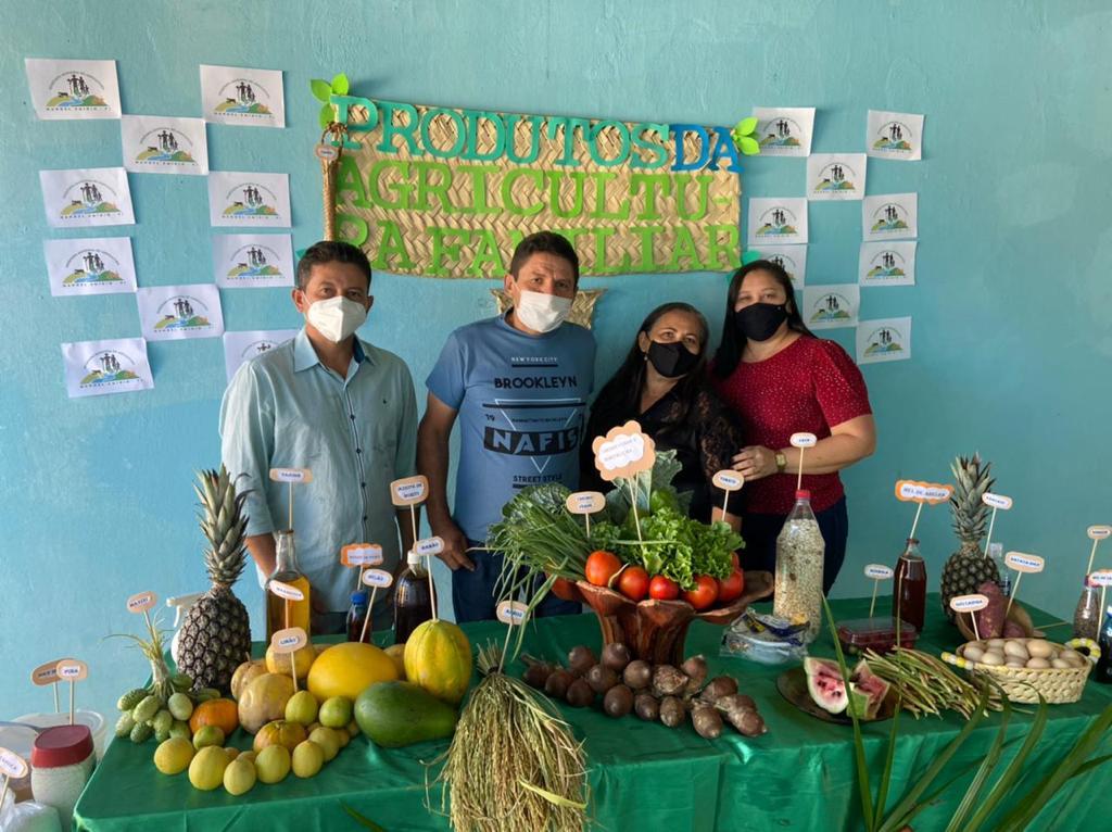 """Exposição da """"Mesa da Agricultura Familiar"""" em Manoel Emídio - Imagem 2"""